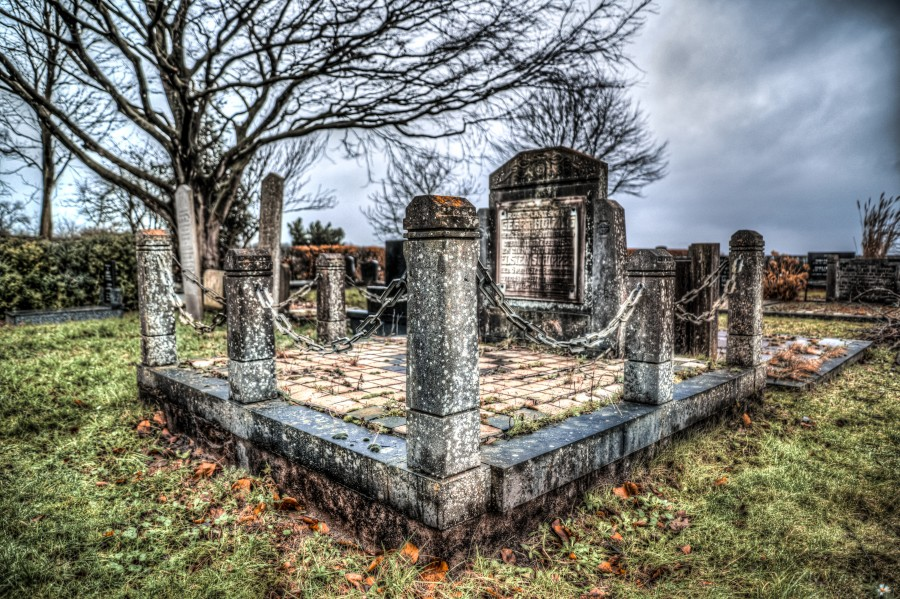 Old grave in HDR