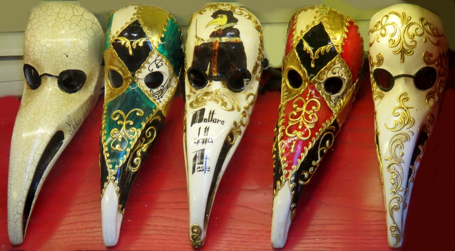bird or plague-doctor masks