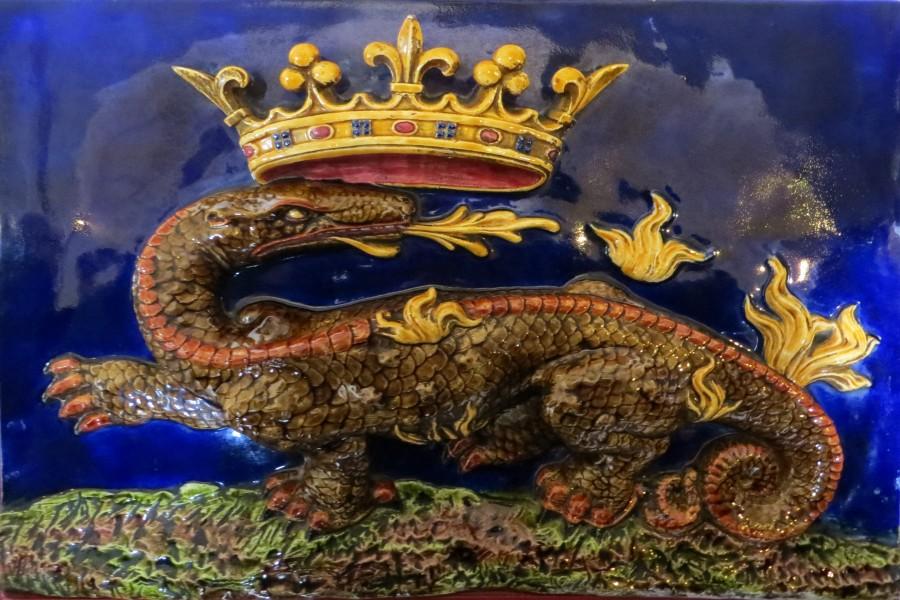 French royal salamander emblem